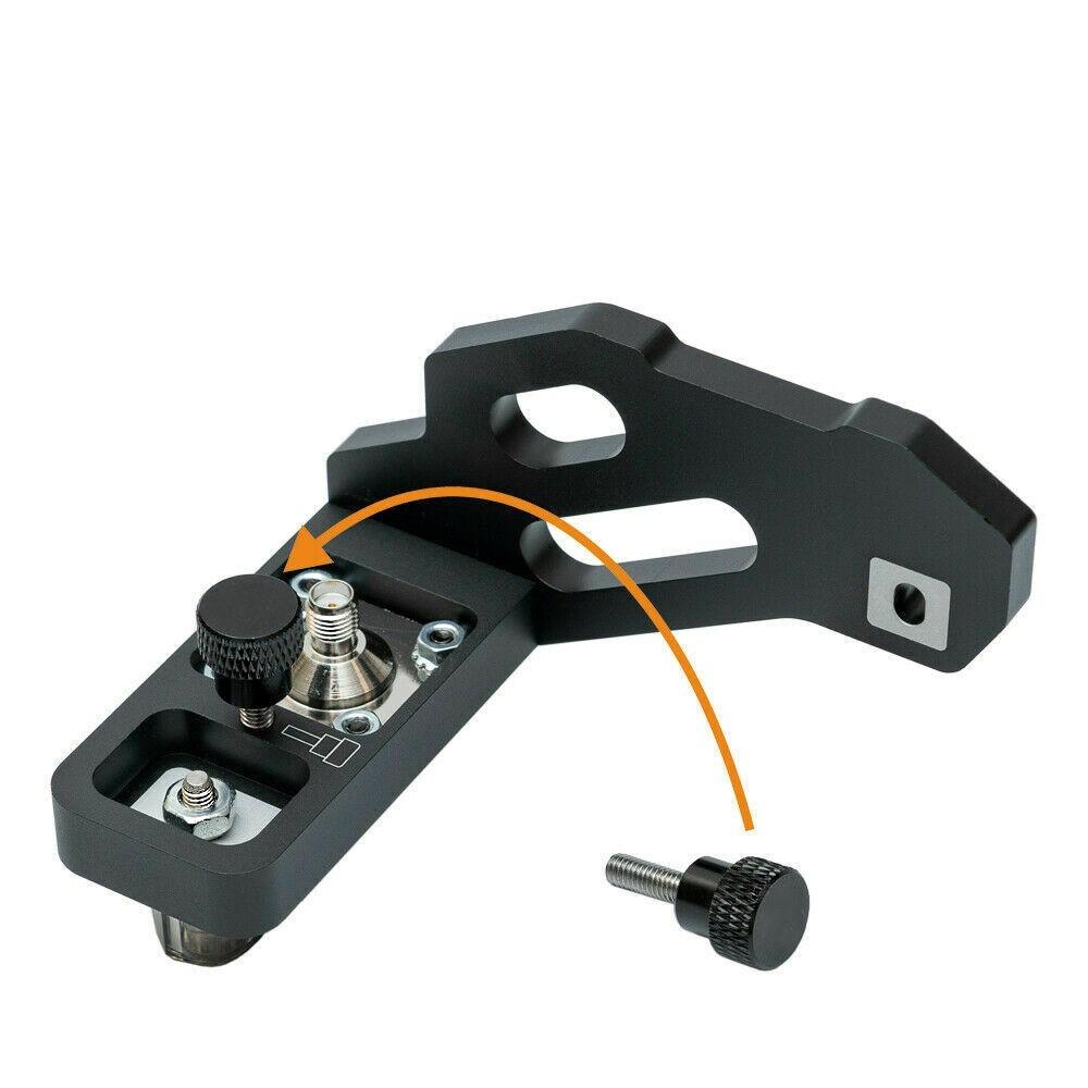 Portabler antenna mounting bracket for Icom ic705